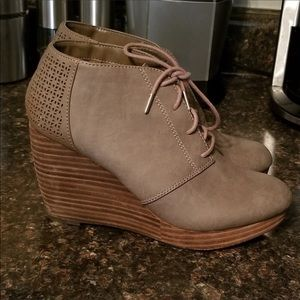 Dr scholls hype wedge booties 6.5
